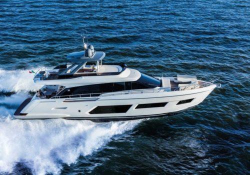 Ferretti_Yachts_670