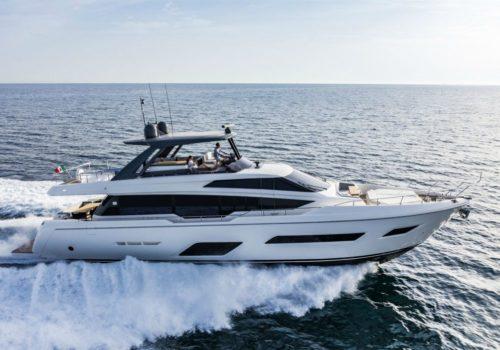 Ferretti_Yachts_780