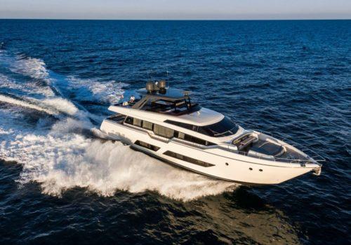 Ferretti_Yachts_850